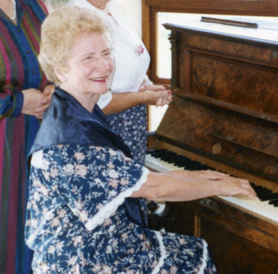 Brenda Bunyan at the piano